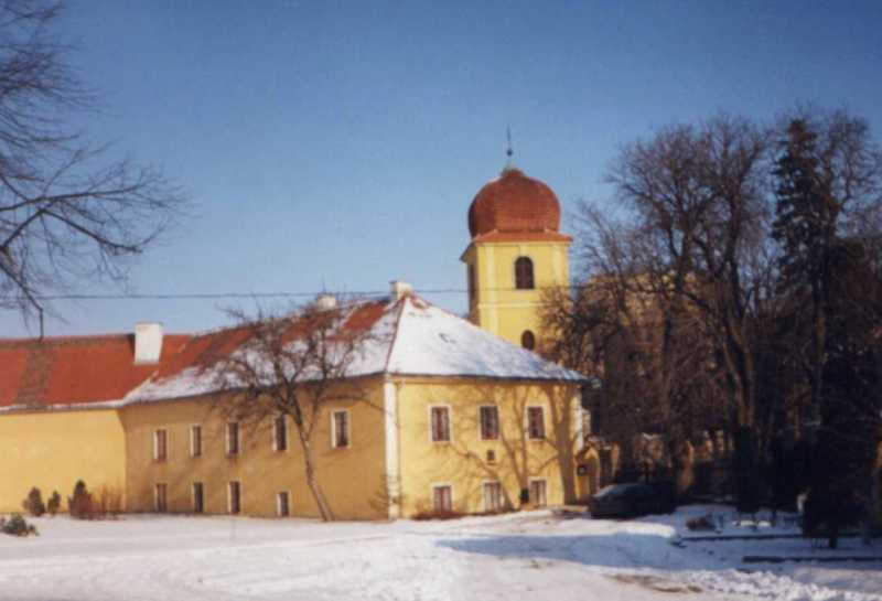 Panenský týnec - pohled na klášter Klarisek
